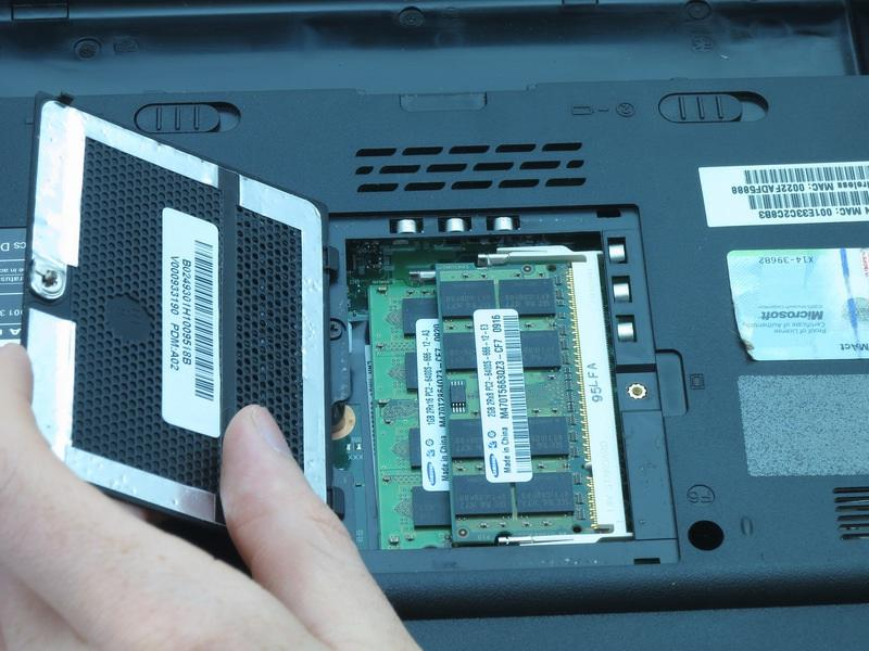 lift to remove the RAM cover.  ifixit CC BY-NC-SA www.ifixit.com Page 6 of 16