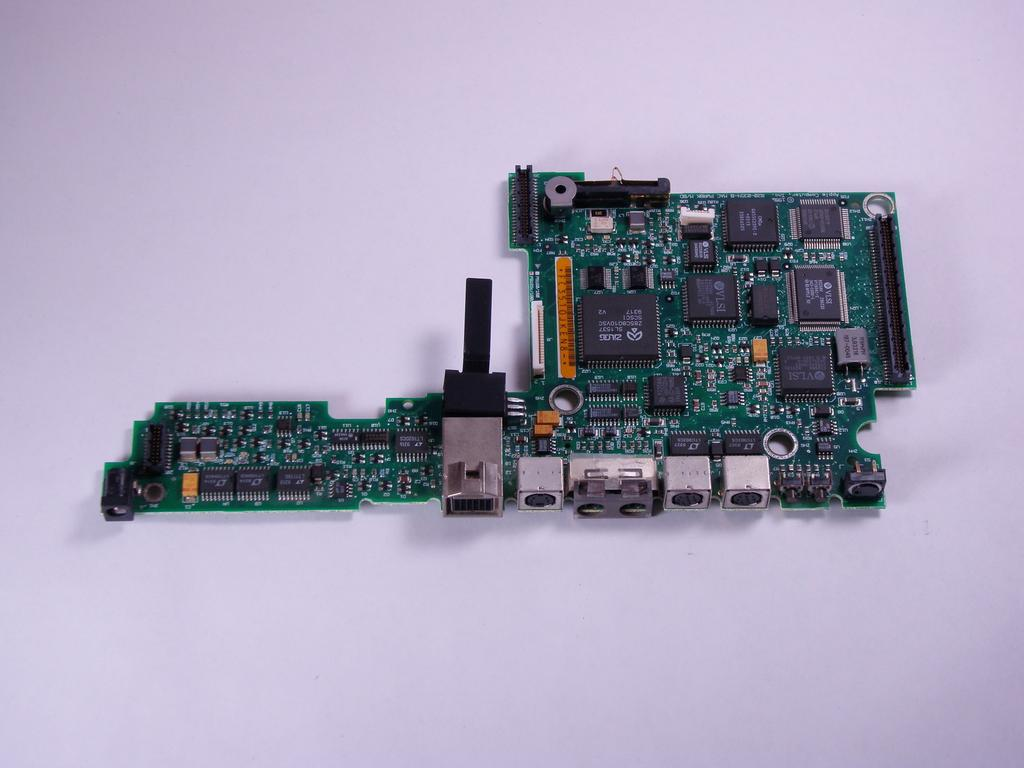 Macintosh PowerBook 165c Motherboard.