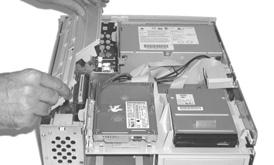 Hardware Installation Power Mac 7200, 7215, WGS 7250 This section covers the configuration and installation of the into the Power Macintosh 7200, 7215 and Workgroup Server 7250.